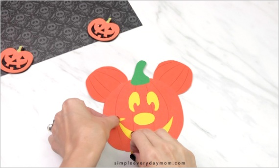 mickey mouse pumpkin craft