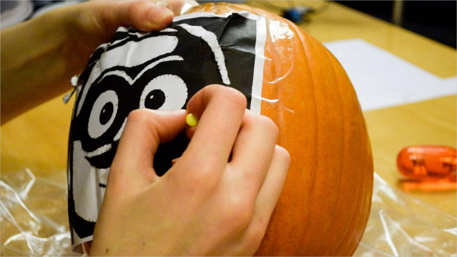 How to Carve a Despicable Me Minion Pumpkin