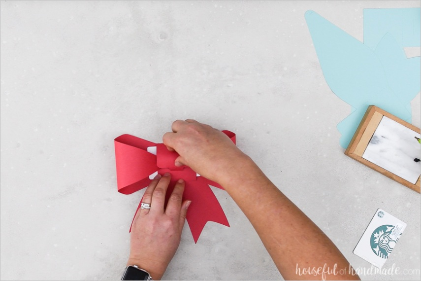 bow shaped t card holders