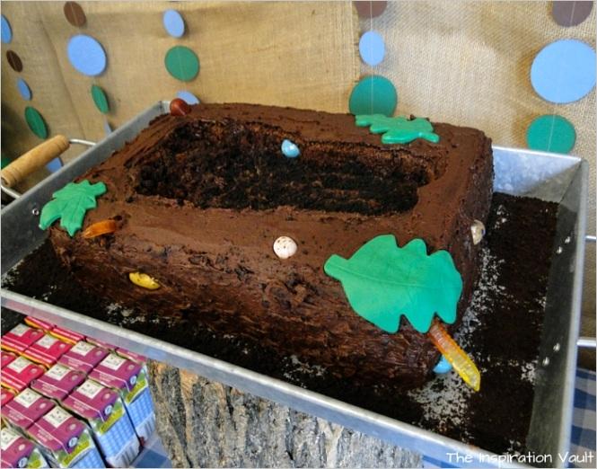 bigfoot tracks cake