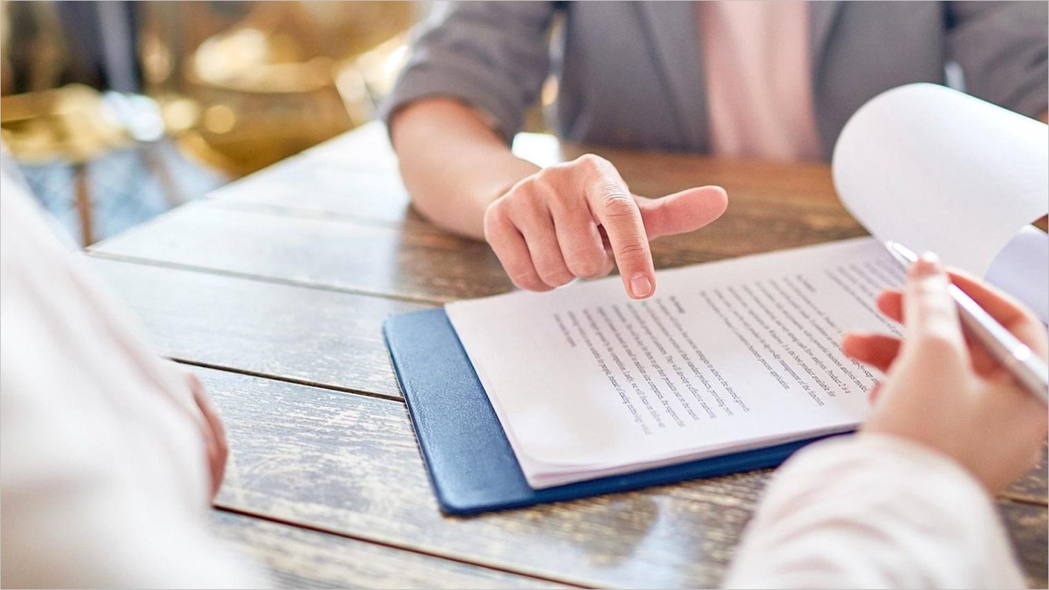 how to write a restaurant employee handbook